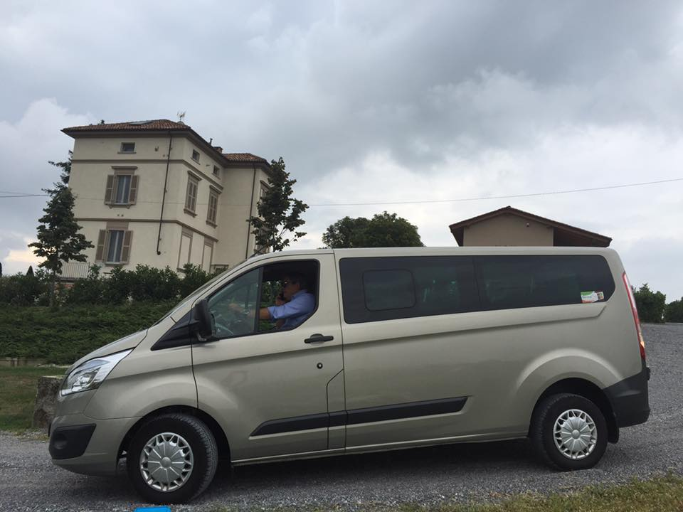 Service Tour Noleggio noleggio con conducente